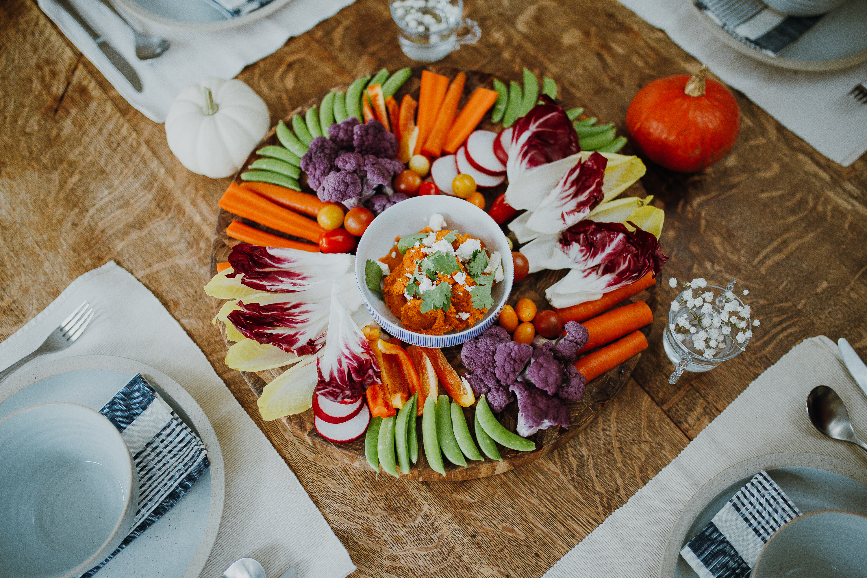 Crudité Platter with Creamy Carrot Dip